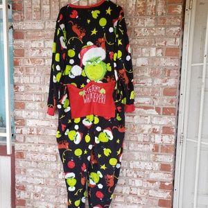 universal studio Intimates & Sleepwear - Rare Universal studios the grinch pajamas